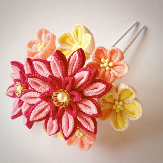 剣菊のつまみ簪 Tsumami kanzashi of chrysanthemum