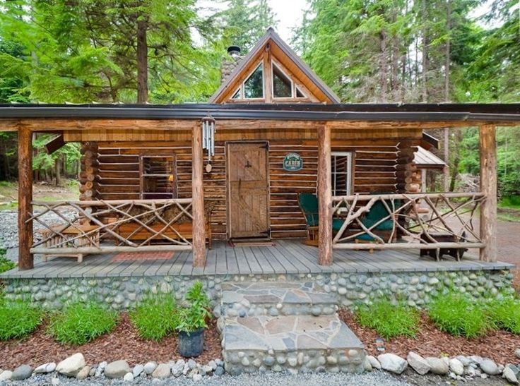 Eagle's Landing Log Cabin on Whidbey