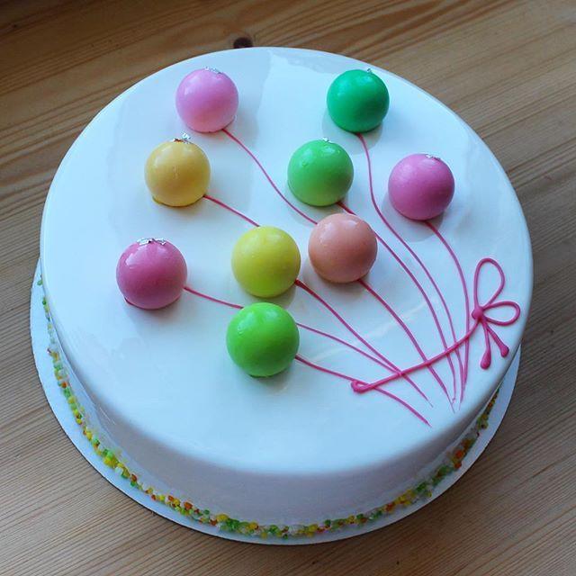 Еще один вариант торта с шарикамикарамель, шоколад и сырный мусс под белой зеркальной глазурью, отравляю на конкурс #это_мой_торт8 от @anuta_maletina спонсор @tortmaster.club