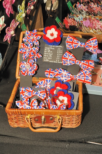 Union Jack bow ties and little fabric flowers from Tipawan Flowers