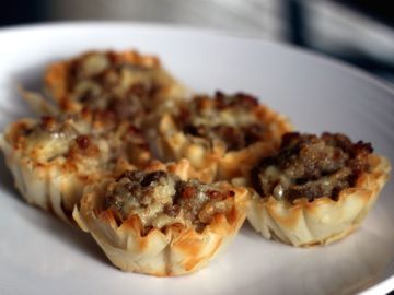Stuffed Sausage cups: Chee Cups, Sausages Phyllo Cups, Phyllo Cups Recipe, Stuffed Sausages, Recipe Used Phyllo Cups, Tacos Bites, Phyllo Sausages Cups, Bites Recipe, Appetizers In Phyllo Cups