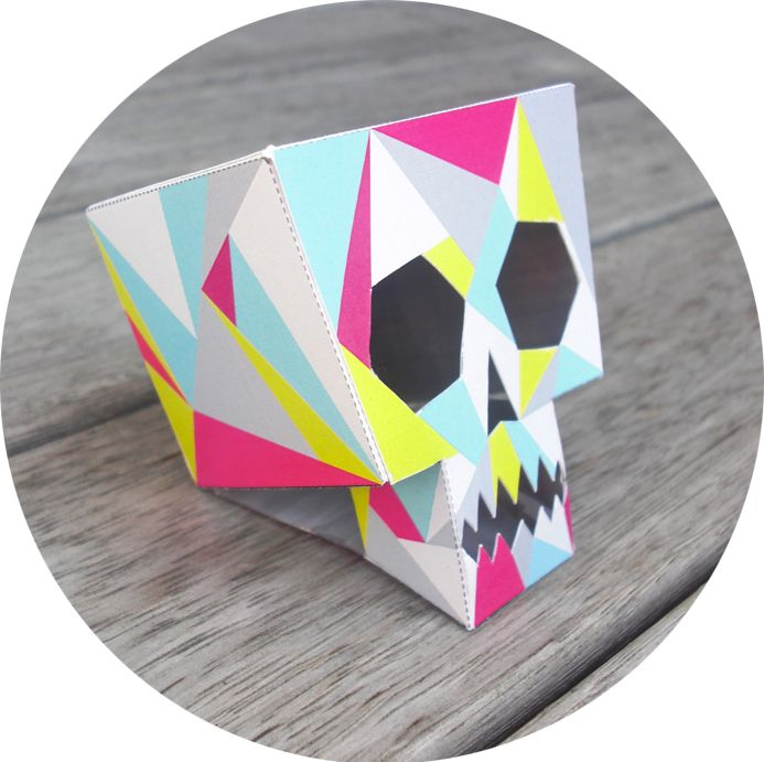"""Kia Ora all! To say """"THANKS!"""" to all my readers : [that's you!] : I have made you a LornaLove skull printable. It's rather rad if I do say so myself, he he."""