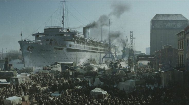 Wilhelm Gustloff: 9000 died (5000 were children) when the Soviets torpedoed the German troop ship - https://www.thevintagenews.com/2016/01/23/wilhelm-gustloff-9000-died-5000-children-soviets-torpedoed-german-troop-ship/