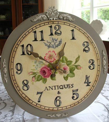 Часы для дома ручной работы. Настенные часы  Antiques (Роспись). Sweet Home Decor Варсеник. Ярмарка Мастеров. Розы винтаж