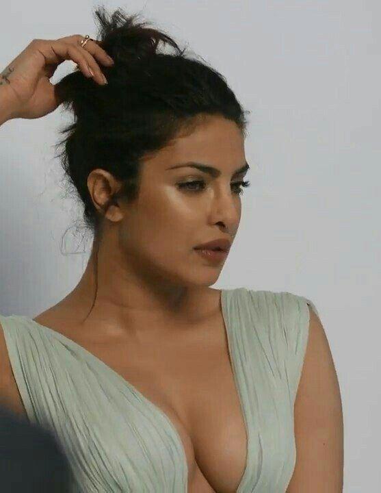 Priyanka Chopra@Ever hot Cleavage