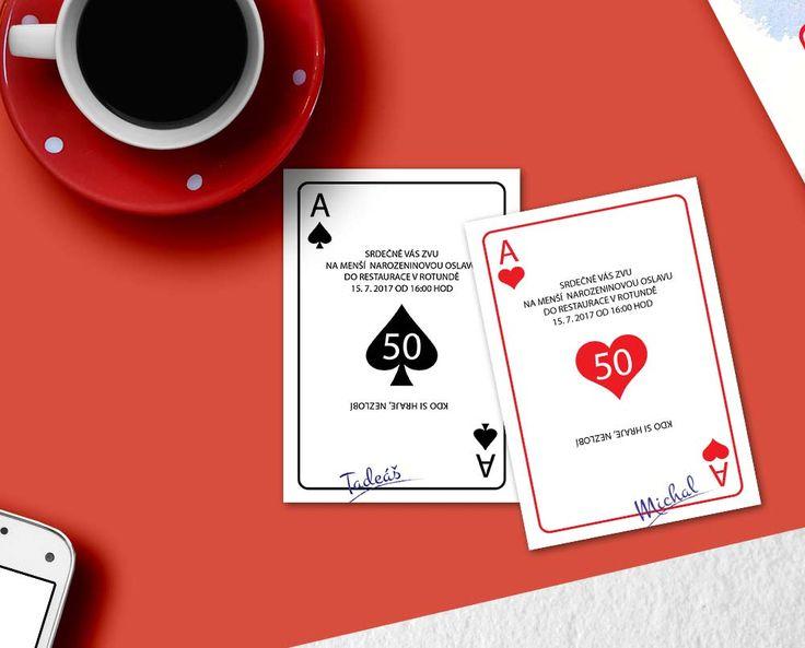 hrací karty na stole - pozvánky