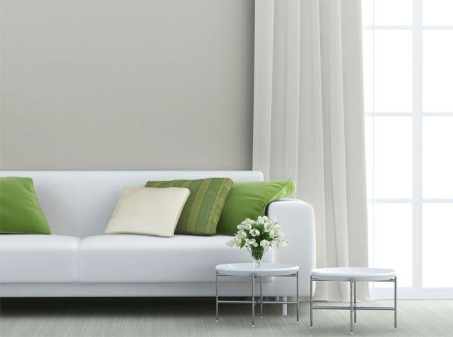 Если не нравится белоснежный, можно попробовать его оттенки, например, цвет слоновой кости, цвет беленого полотна.  Из мебели и аксессуаров больше всего для такого интерьера подойдет мебель из натурального дерева (для тех, кто любит стиль прованс), а также мебель из текстиля черного, зеленого или красного цветов. Если делать этот цвет основным акцентом, то его должно быть не менее 60% в интерьере. Тогда это будет восприниматься как стильный white-интерьер.