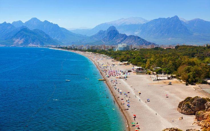 Blue flagged beach of Antalya, Konyaaltı 🌊 Beach. It is 4 km away from city center of Antalya to the west. And it has 6 km long which is a must to see!! #konyaaltı #antalya #konyaaltıplajı #konyaaltıbrach #beach #visitantalya #visitturkey #monopoltur #selcukunluturk #selcukunluturktravels #travel #instatravel #travelling #instatravelling #turkey #allshotsturkey #turquia #turchia #turquie #beachholiday #holiday #vacation