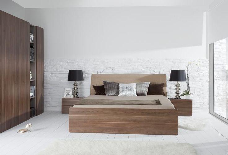 Nous avons sélectionné pour vous les meilleurs #lits design deux places du moment. Nos lits #design pas cher sont éco-labélisés et fabriqués en Europe pour garantir une qualité des plus élevées. Ces lits #design pour la #chambre à coucher se présentent sous plusieurs finitions et sont disponibles en plusieurs dimensions.  http://www.vox-meubles.fr/collections/2pir/chambre-a-coucher/lit-double-moderne-avec-tete-de-lit-avec-coffre.html
