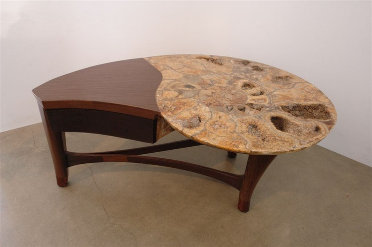 This ammonite coffee table made by Dale Ramsey was specifically commissioned by Crystalworks Gallery.