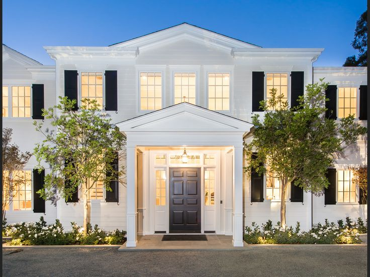 An incredible Brentwood gem, this East Coast Traditional Estate welcomes you home with its elegant design. 491 Tigertail Rd | Brentwood