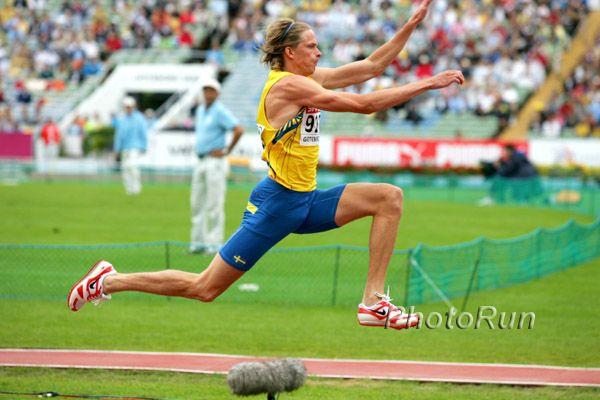 Christian Olsson | Christian Olsson Retires, 2004 Olympic gold medalist, triple jump, by ... Svenskt rekord ih och uh, ih 17.83 Budapest, Ungern 7.3 2004 och uh 17.79 Aten, Grekland 22.8 2004.