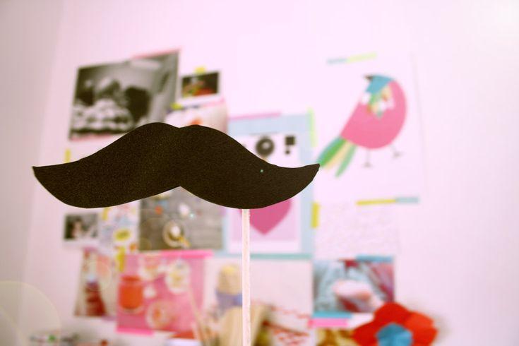 DIY : Photo booth moustaches | Poulette Magique