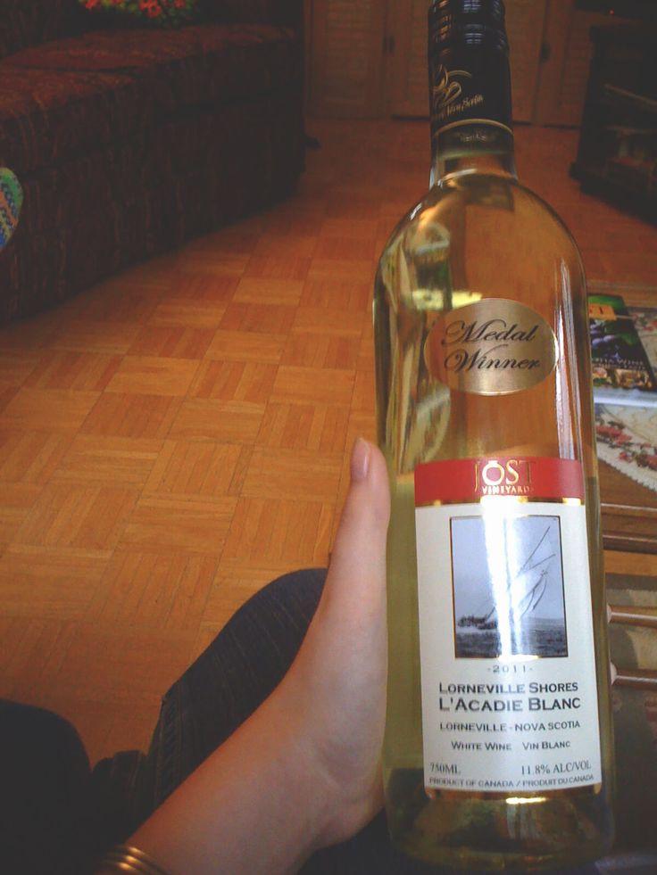 Lorneville Shores L'Acadie Blanc Fingerlakes Medal Winning wine from 2011.