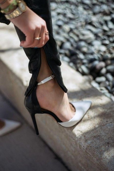 20 Looks with Schutz heels!