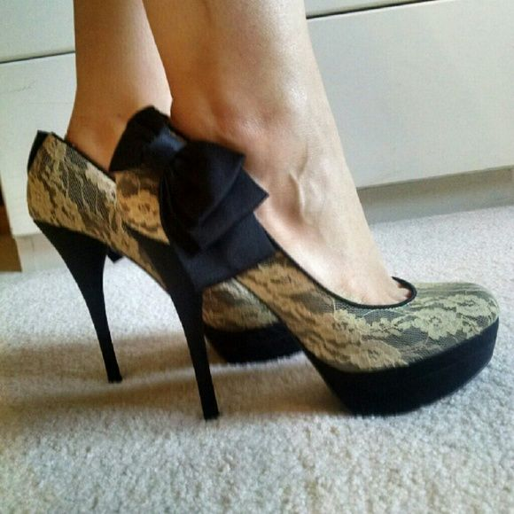 Lace heels with bow Cute and pretty comfy heels. Worn a few times. Perfect for the Holiday season! free press Shoes Heels