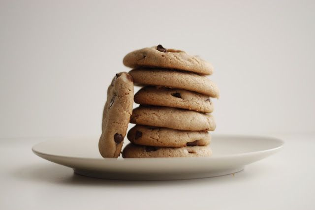 Liz Makes: Liz makes chocolate chip cookies without butter
