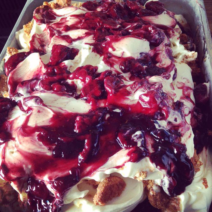 Cherry compot, vanilla & amaretto.