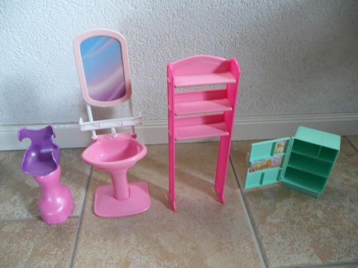 1000 images about poppenhuis barbie on pinterest barbie for Poppenhuis voor barbie