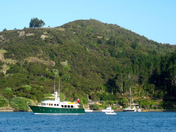 Boats anchored in Kingfish Cove