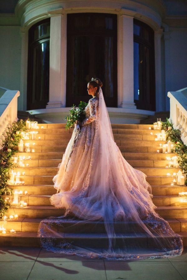 Bridal Portrait on Stairs with Candles | photography by http://www.damarismia.com