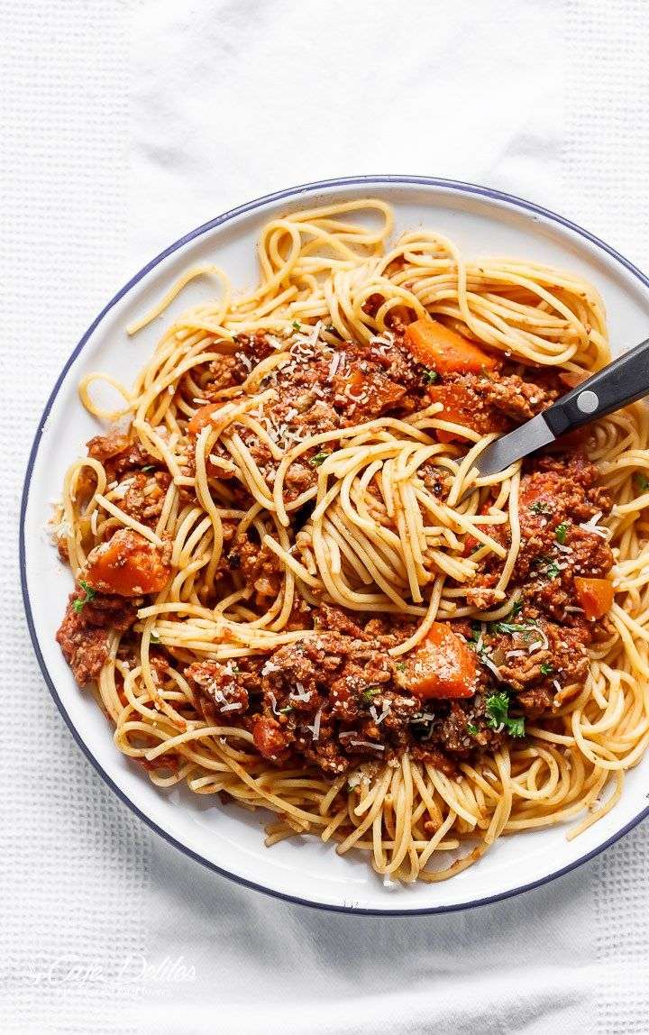 Easy to make rich and rustic Slow Cooker Bolognese Sauce, packed with so much flavour to coat your pasta (or vegetables) of choice! | http://cafedelites.com