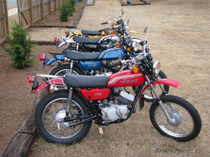 I had the red one, the first vehicle I ever bought. 1972 Kawasaki 175 Enduro (model F7).  When it was two months old I rode it from Phoenix to Colorado Springs and back, about 800 miles (each way), all on back roads cuz I couldn't sustain freeway speeds.  I was young and restless.  And just a bit foolish.