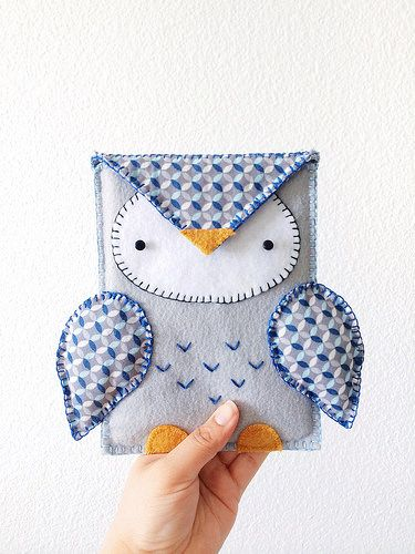 Owl Kindle Cozy Pinned by www.myowlbarn.com