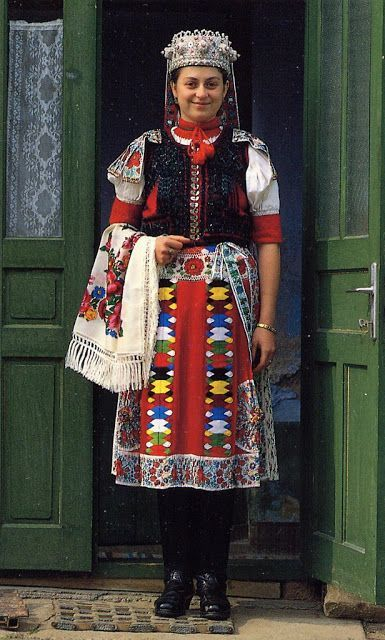 Overview of the peoples and costumes of Transylvania: