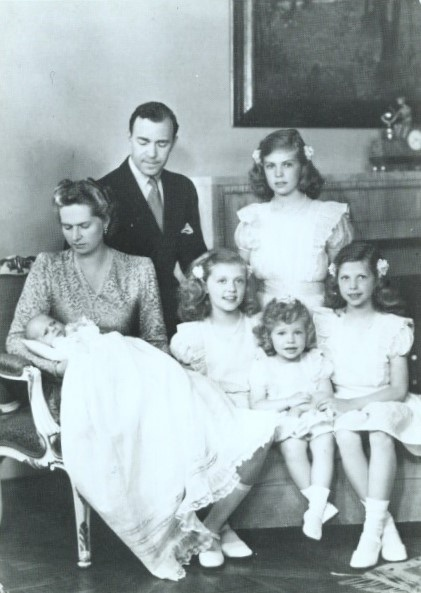 1946 Erbprinz Gustaf Adolf von Schweden mit seiner Familie | Flickr - Photo Sharing!