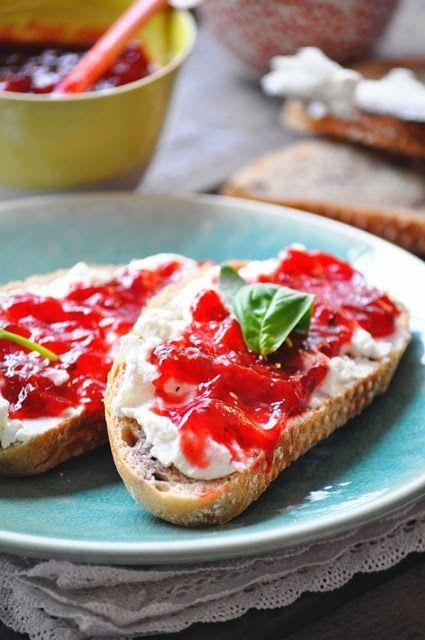 Elodie's Bakery: Confiture de fraise au basilic et vinaigre balsami...
