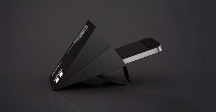 Eine einzigartige Visitenkarte: Ausgeklappt wird sie zum mobilen Lautsprecher.