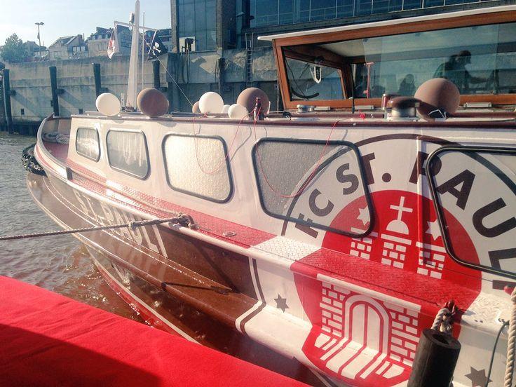 Hamburg SanktPauli fcsp Barkasse Elbe