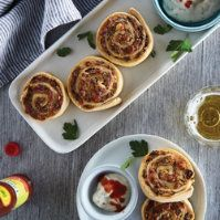 Buffalo Turkey Sausage Pinwheels by @mytexaslife