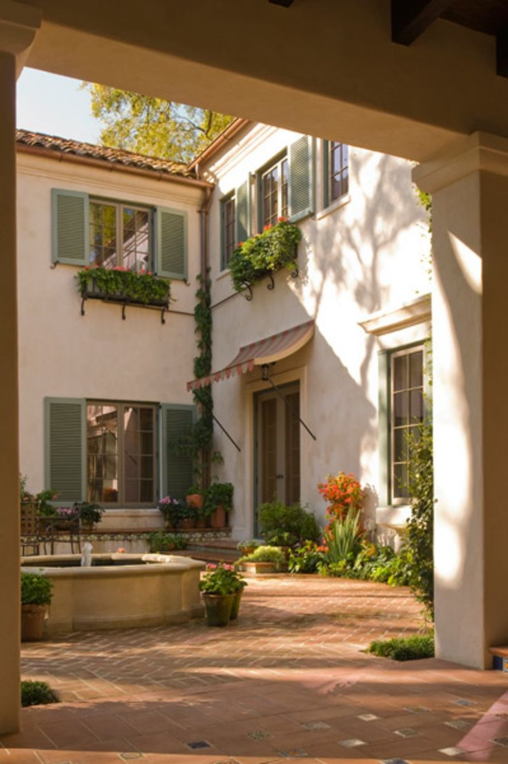 Spanish colonial architecture characteristics - Courtyard Del Monte Residence Houston Texas By Curtis Windham Architects