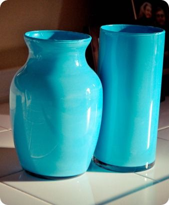 Coloring glass vases from the dollar store... I love cheap projects!!!Cheap Vases, Vases Makeovers, Glitter Vases, Colors Vases, Jars Vas, Trees Vases, Stores Vases, Glasses Vases, Painting Vases