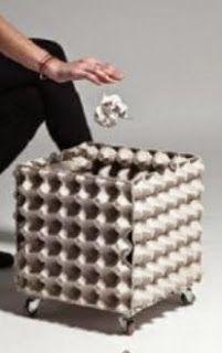 http://manualidadesparaninos.biz/papelera-hecha-con-hueveras-de-carton/