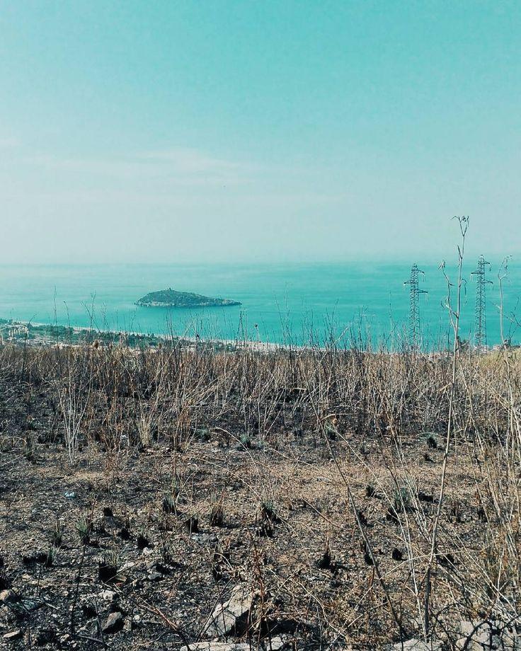 Qualcuno dica ad Ottobre che non può imitare Agosto. Buonanotte anime belle. #unangeloinviaggio  Edit with @vscoG3  #italia #italy #buonanotte #goodnight #calabria #vsco #vscoitaly #vscocam #landscape #landscapephotography #landscape_lovers #landscape_captures #amazing #awesome #bestoftheday #beautiful #photography #photooftheday #photo #followme #seguitemi #travel #traveling #adventure #nature #naturelovers #sea #panorama