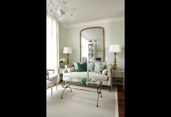 Love this Sarah 101 HGTV condo! So glam and girlie!