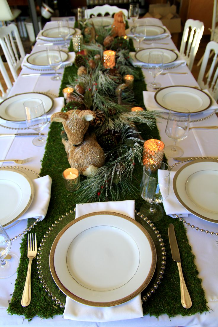 Winter tablescapeWinter Woodland, Holiday Parties, Holiday Tablescapes, Events Tablescapes, Woodland Tablescapes, Moss Tables Runners, Woodland Winter, Winter Tablescapes, Christmas Tablescapes