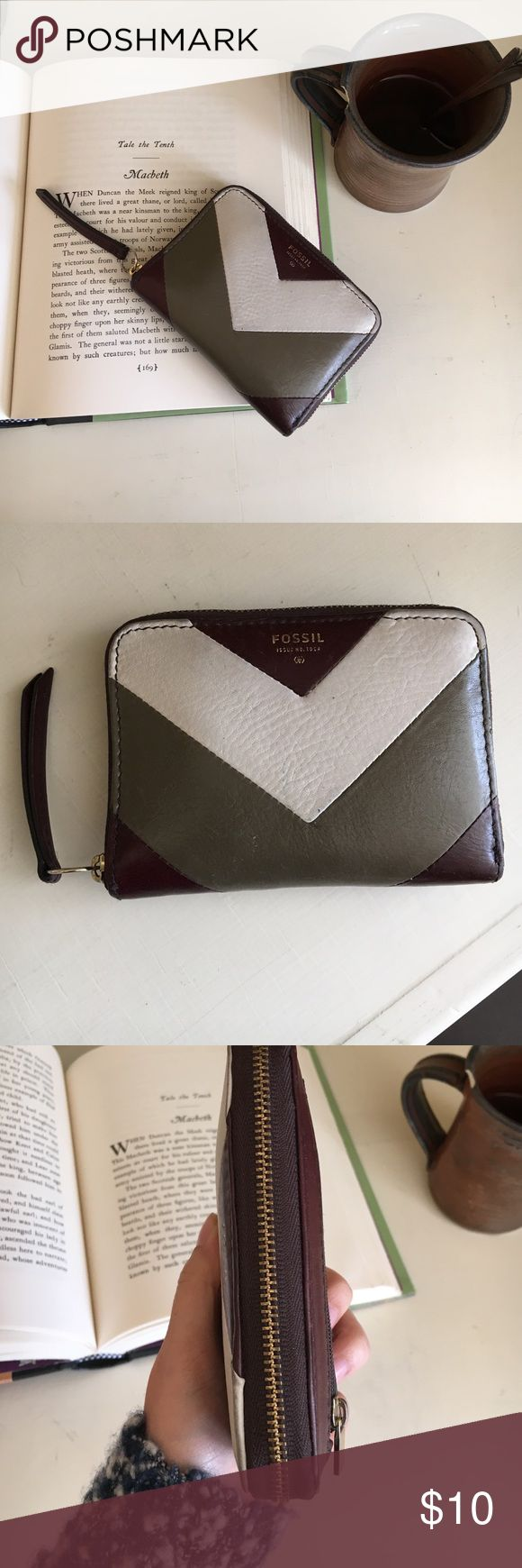Fossil wallet Excellent condition Fossil Bags Wallets