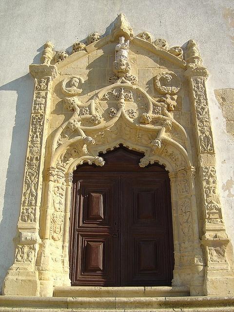 Igreja de Sto. Quintino - Sobral de Monte Agraço (Portugal) door
