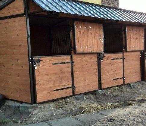 box per cavalli con pareti pronte 2 box 3x4m IN SALDO premi sull'immagine e vai direttamente al sito per info, foto e prezzi www.fersiniselleria.com info@fersiniselleria.com