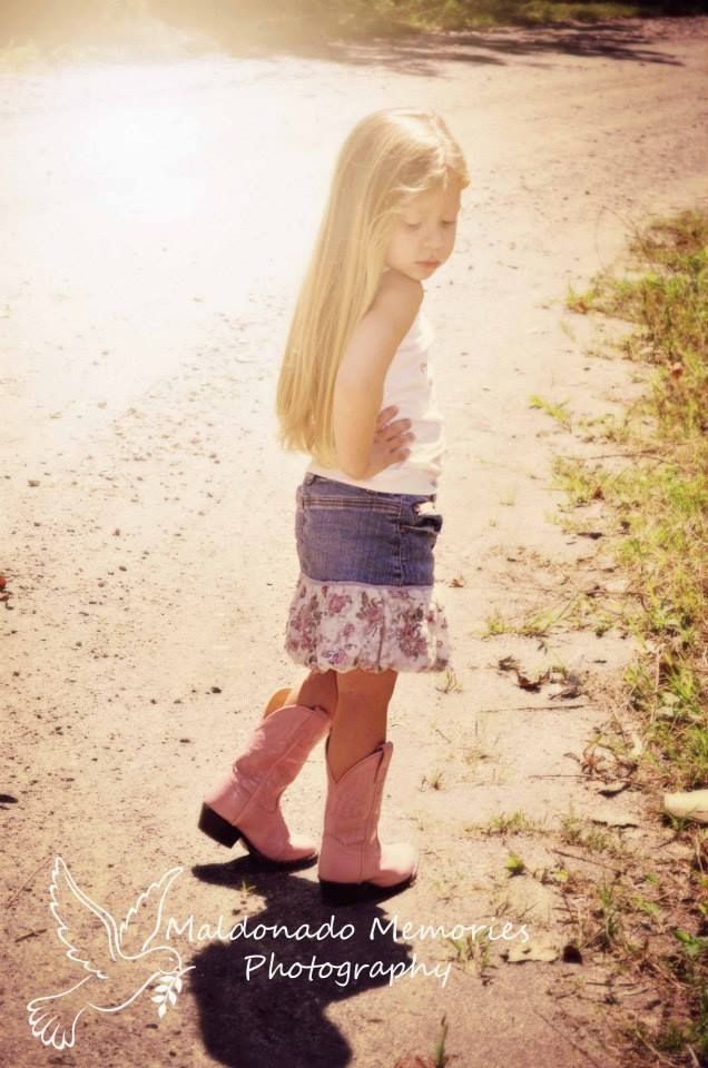 Country girl. Country kid photography. Photo taken my yours truly.