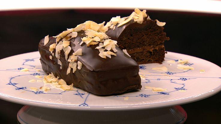 Chokoladekage fyldt med karamel