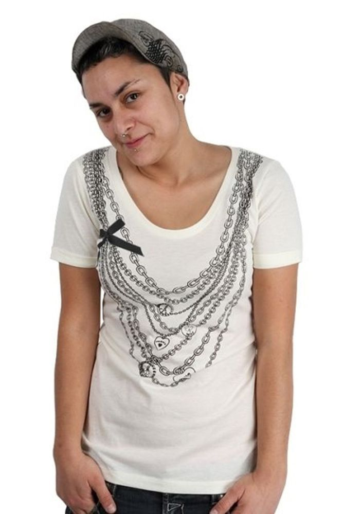 Lucky 7 Cream Ladies Lucky Charm Necklaces Bow Deep Scoop T-Shirt $49.40 CAD NWT Now 75% OFF