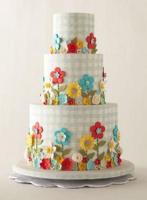 gingham flower cake