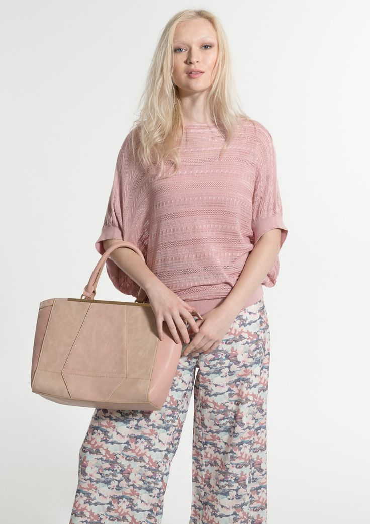 Zippered Tote bag with detachable shoulder strap .