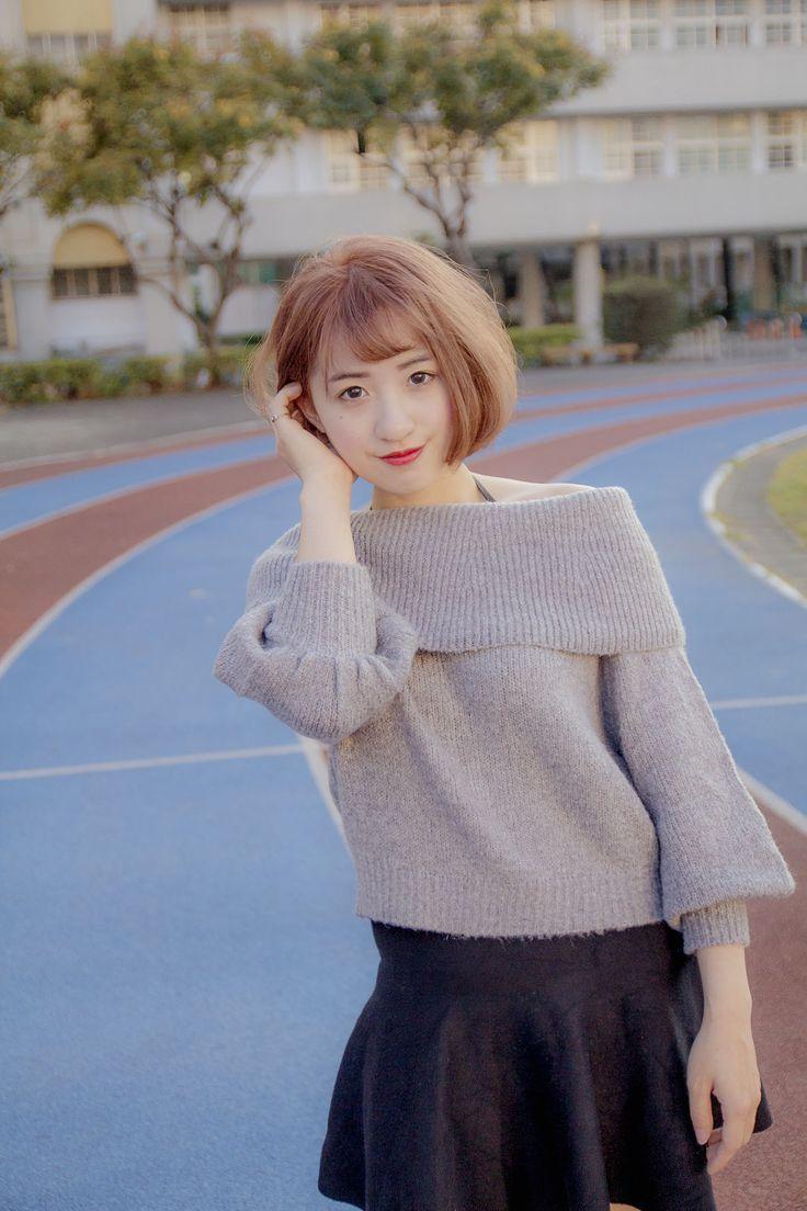 最近想趁過新年🎊🎊換個新髮色嗎💇🏻 #霧感髮色 #奶奶灰 超適合皮膚又顯白女生。推推推🗣 💄方便在於只要上一點妝💄💄 立馬🐎 看起來就很韓妞啦😍 喜歡的話請滑的我粉專👍 預約在麻煩在FB裡丟訊息😊 . 👉FB搜尋🔍 Kawa - 髮型師 . .IG會miss掉訊息🤔 . .⚜️ #kawahairstyle #Taichung #台中 #japanhair #japan #攝影 #剪髮 #燙髮 #染髮 #salon #hair #台中hairsalon #cute #披薩工廠 #中友百貨 #kama #一中 #態度 #推薦