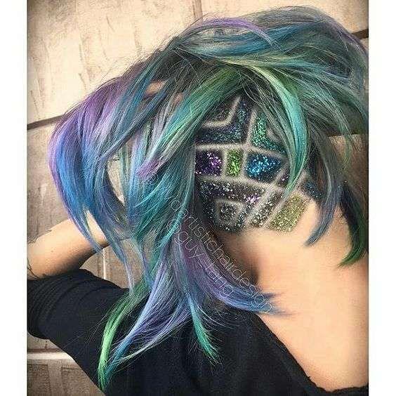 Glitter y adornos en la cabeza rapada: Nueva tendencia viral [FOTOS] - Decoración en cabeza rapada